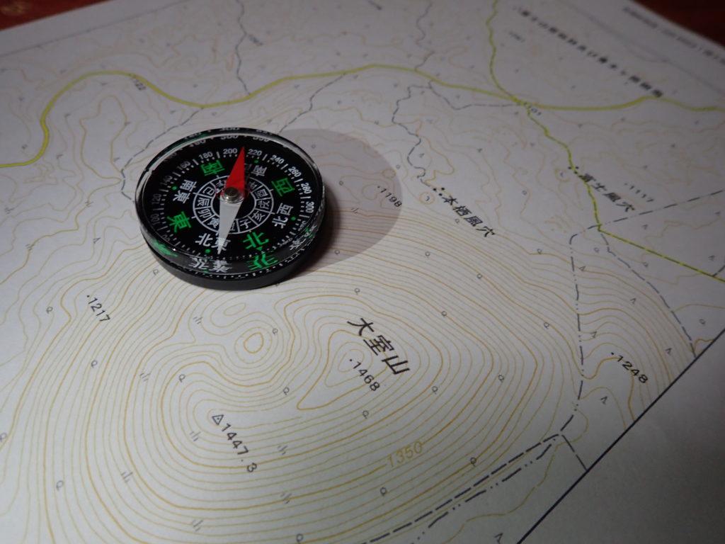 コンパスで地図読み