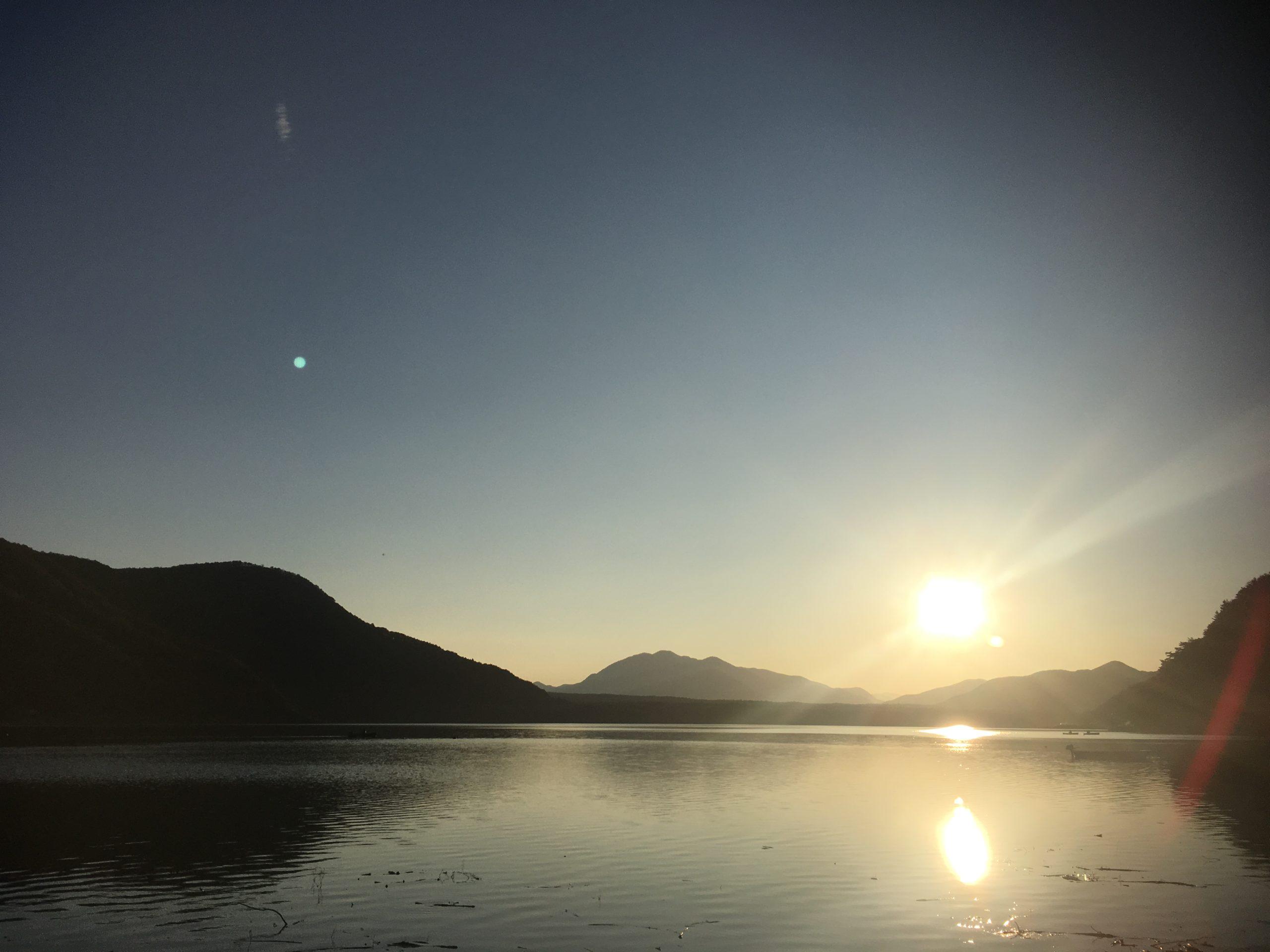西湖の夕焼け